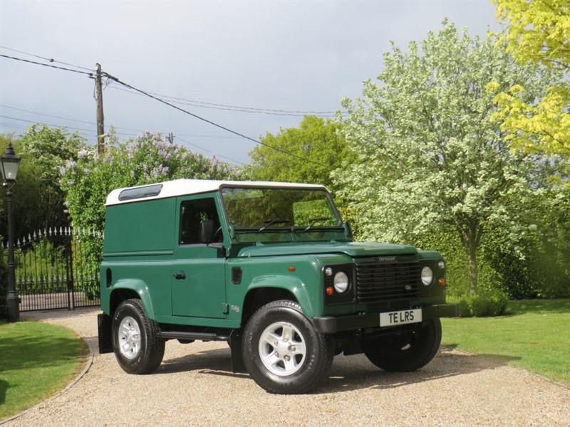 used Land Rover Defender 90 2.5 TD5 COUNTY HARD TOP JUST 31,000 MILES! 1 LADY OWNER! EXCEPTIONAL in chelmsford-essex