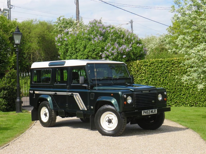 used Land Rover Defender 110 300 Tdi COUNTY STATION WAGON! 2 OWNER! JUST 36,000 MILES! VERY RARE!  in chelmsford-essex