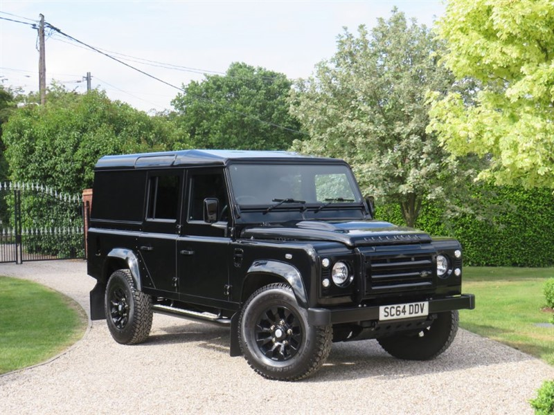 used Land Rover Defender 110 2.2 TDCI XS UTILITY WAGON JUST 19,000 MILES! PREMIUM LEATHER SEATS!  in chelmsford-essex