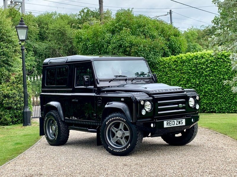 used Land Rover Defender 90 2.2 TDCI XS STATION WAGON JUST 28,000 MILES RARE BAROLO BLACK! in chelmsford-essex