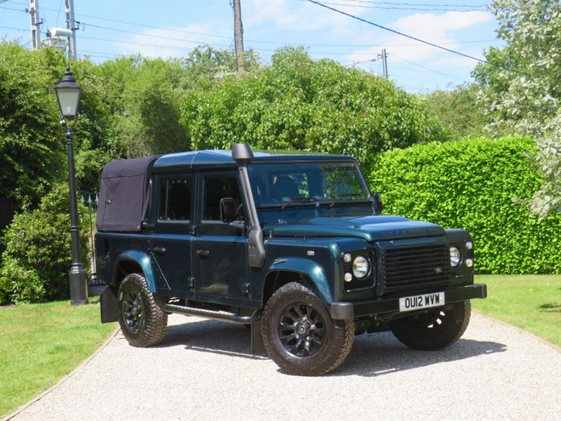 used Land Rover Defender 110 2.2 TDCI XS DOUBLE CAB JUST 29,000 MILES! NO VAT! in chelmsford-essex