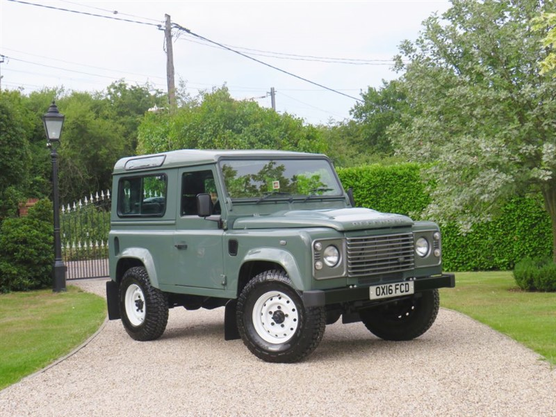 used Land Rover Defender 90 2.2 TDCI COUNTY STATION WAGON RARE 2016 REG! £30,000 + VAT! in chelmsford-essex