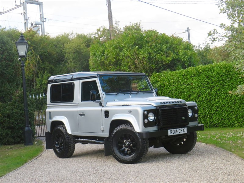 used Land Rover Defender 90 2.2 TDCI XS STATION WAGON 1 OWNER! PREMIUM SEATS! SAWTOOTH ALLOYS! in chelmsford-essex
