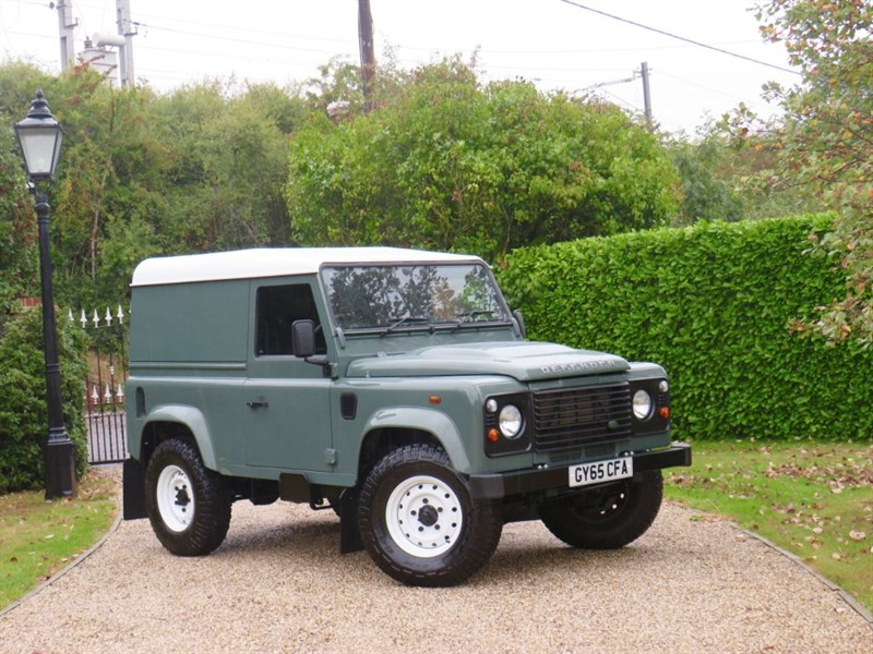 used Land Rover Defender 90 2.2 TDCI HARD TOP JUST 18,000 MILES! 1 LADY OWNER!  NO VAT! in chelmsford-essex