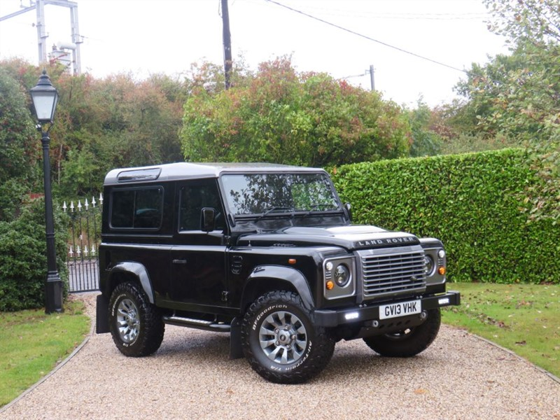 used Land Rover Defender 90 2.2 TDCI XS STATION WAGON JUST 25,000 MILES! MANY EXTRAS! in chelmsford-essex