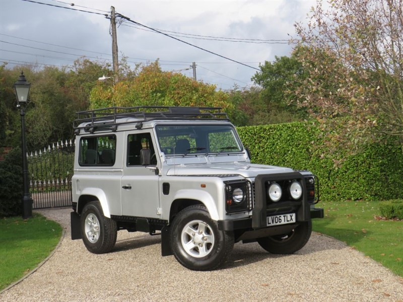 used Land Rover Defender 90 2.5 TD5 SILVER LIMITED EDITION STATION WAGON JUST 36K MILES! in chelmsford-essex