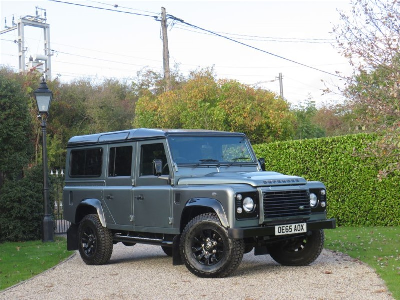 used Land Rover Defender 110 2.2 TDCI XS STATION WAGON RARE SCOTIA GREY! JUST 19,000 MILES!  in chelmsford-essex