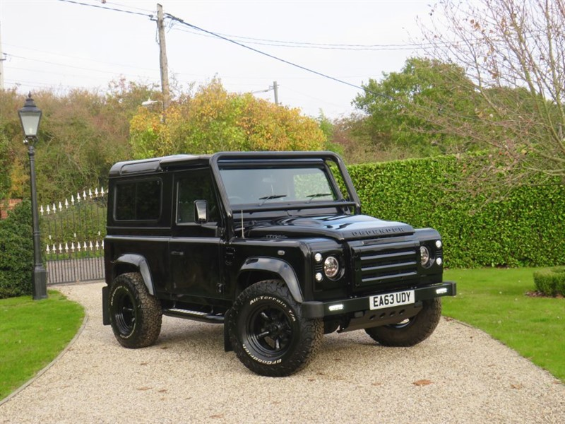 used Land Rover Defender 90 2.2 TDCI XS STATION WAGON 1 OWNER! MANY EXTRAS in chelmsford-essex