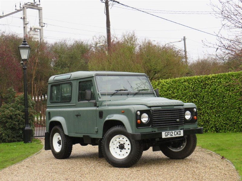 used Land Rover Defender 90 2.2 TDCI COUNTY STATION WAGON RARE KESWICK GREEN! JUST 35K MILES! in chelmsford-essex