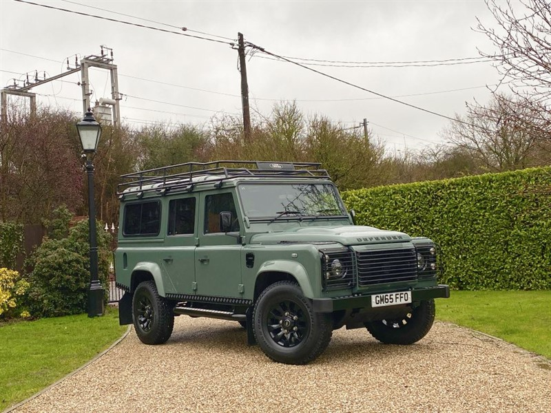used Land Rover Defender 110 2.2 TDCI XS STATION WAGON RARE KESWICK GREEN XS! PREMIUM LEATHER SEATS in chelmsford-essex