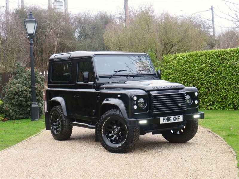 used Land Rover Defender 90 2.2 TDCI XS STATION WAGON! ONE OF THE LAST! 16 REG! PREMIUM SEATS! in chelmsford-essex