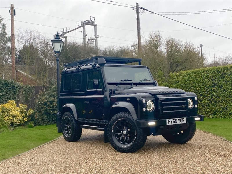 used Land Rover Defender 90 2.2 TDCI XS STATION WAGON MANY EXTRAS! JUST 10,000 MILES! in chelmsford-essex