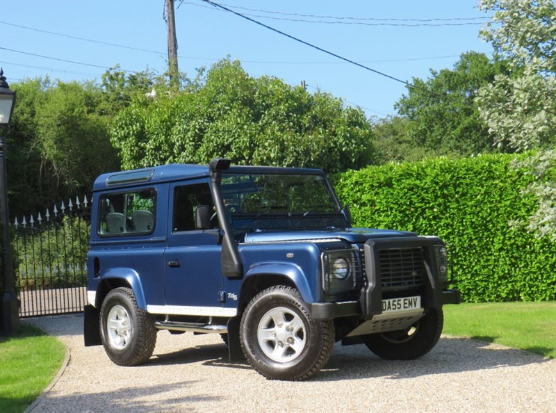used Land Rover Defender 90 2.5 TD5 XS STATION WAGON JUST 41K MILES! 6 SEATER!  in chelmsford-essex