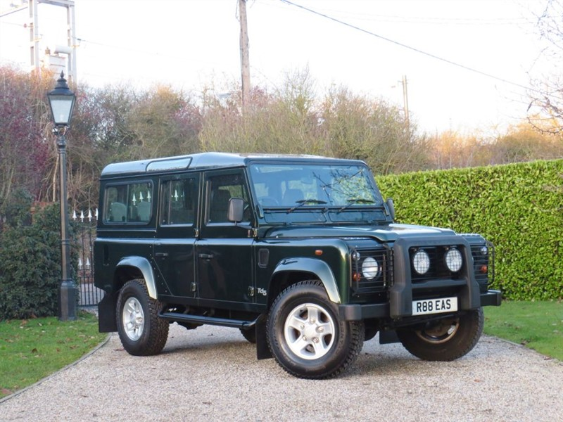 used Land Rover Defender 110 2.5 TD5 COUNTY STATION WAGON JUST 52,000 MILES! 9 SEATER! in chelmsford-essex