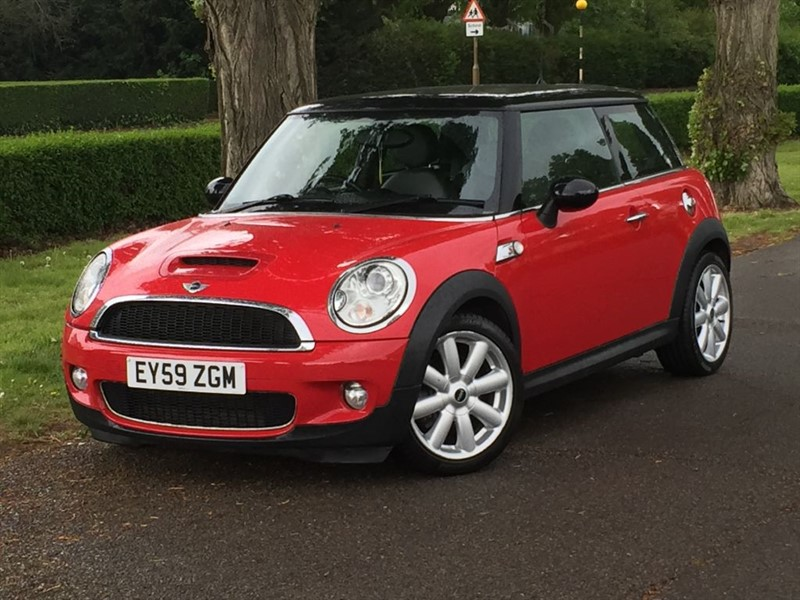 used MINI Hatch COOPER S in grays-essex