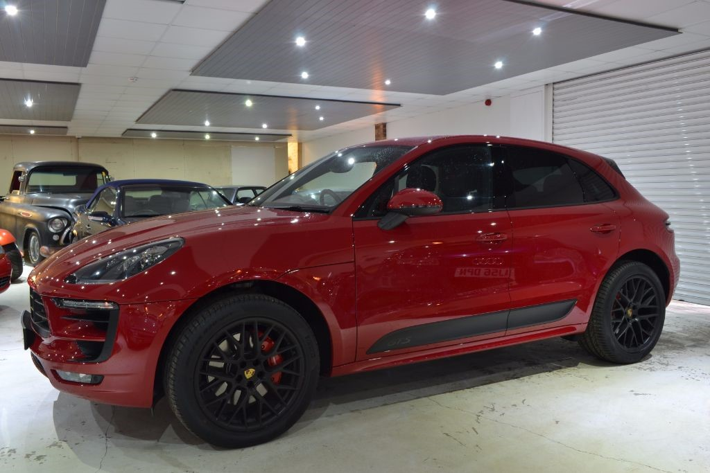 Used Red Porsche Macan for Sale   Worcestershire
