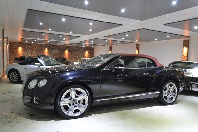used Bentley Continental W12 MULLINER + AIR SCARF in worcestershire