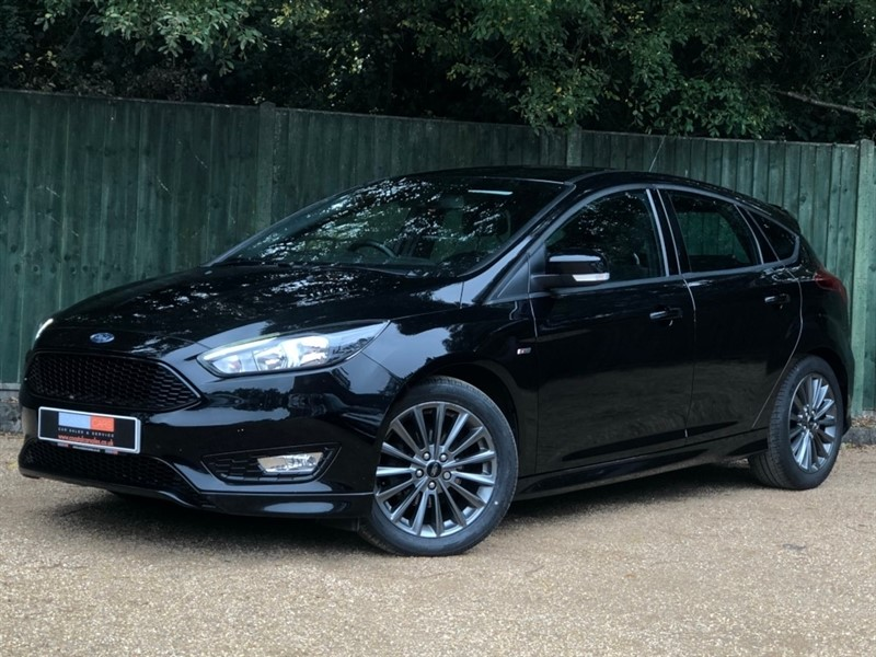 used Ford Focus TDCi ST-Line (s/s) 5dr in in-dorset