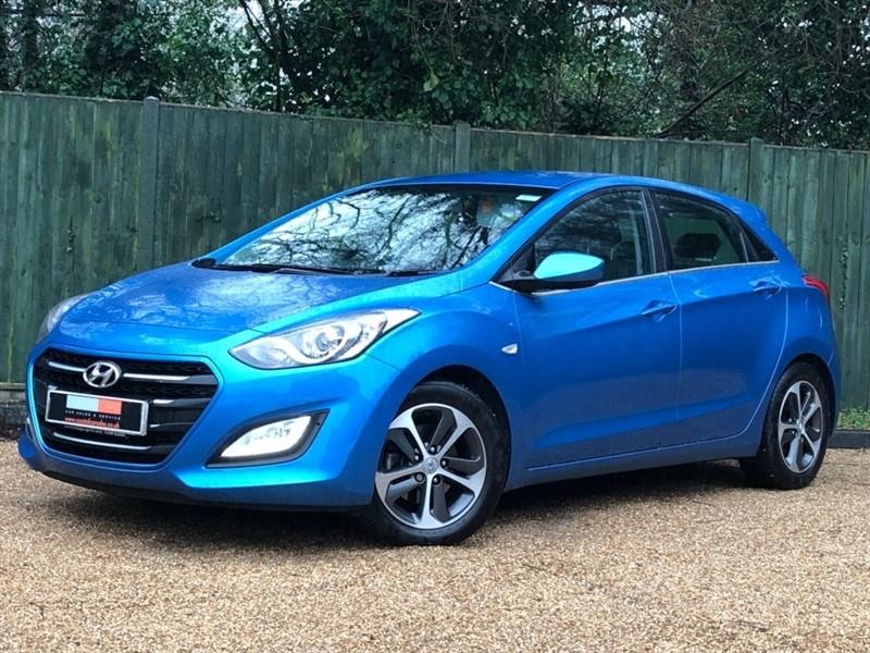 used Hyundai i30 Blue Drive SE 5dr in in-dorset