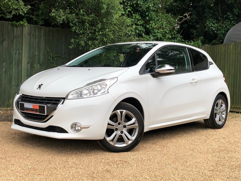 used Peugeot 208 VTi Allure 3dr in in-dorset