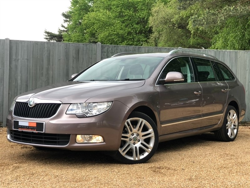 used Skoda Superb TDI CR DPF Elegance DSG 5dr in in-dorset