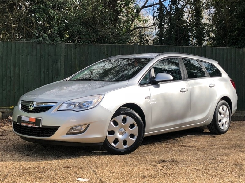 used Vauxhall Astra 1.3 CDTi ecoFLEX 16v ES (s/s) 5dr in in-dorset