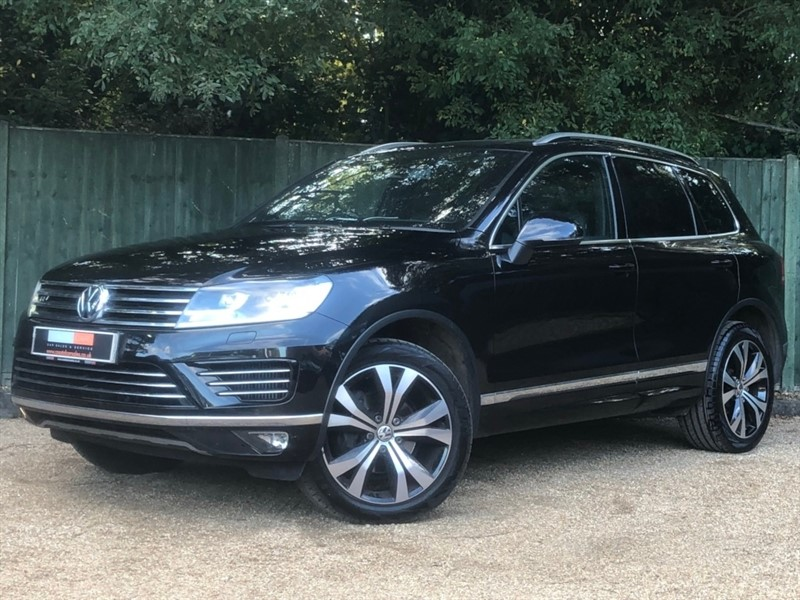 used VW Touareg TDI BlueMotion Tech V6 R-Line Tiptronic 4x4 (s/s) 5dr in in-dorset