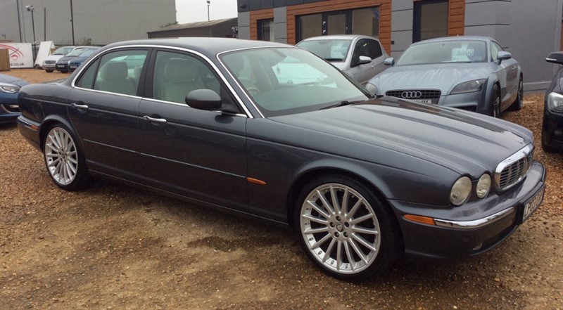 used Jaguar XJ V8 SE in cambridgeshire