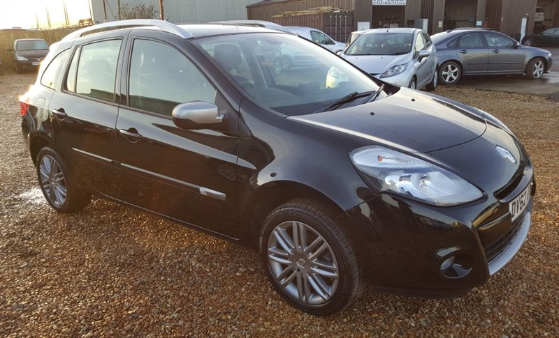 used Renault Clio DYNAMIQUE TOMTOM VVT in cambridgeshire
