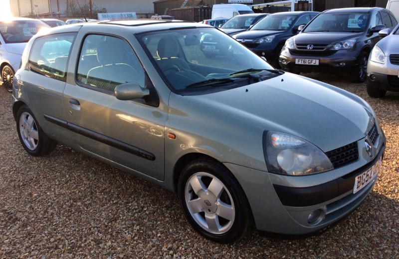 used Renault Clio PRIVILEGE 16V in cambridgeshire