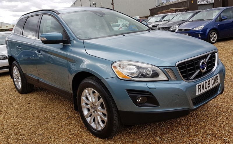 used Volvo XC60 D5 SE LUX AWD in cambridgeshire
