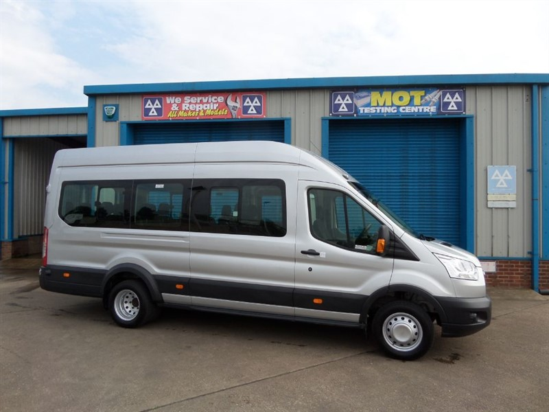 used Ford Transit 460 High Roof 17 Seater Bus with Tachograph in lincolnshire