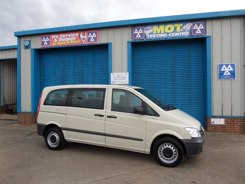 used Mercedes Vito 110 CDI TRAVELINER 2.1TD 8 Seater in lincolnshire