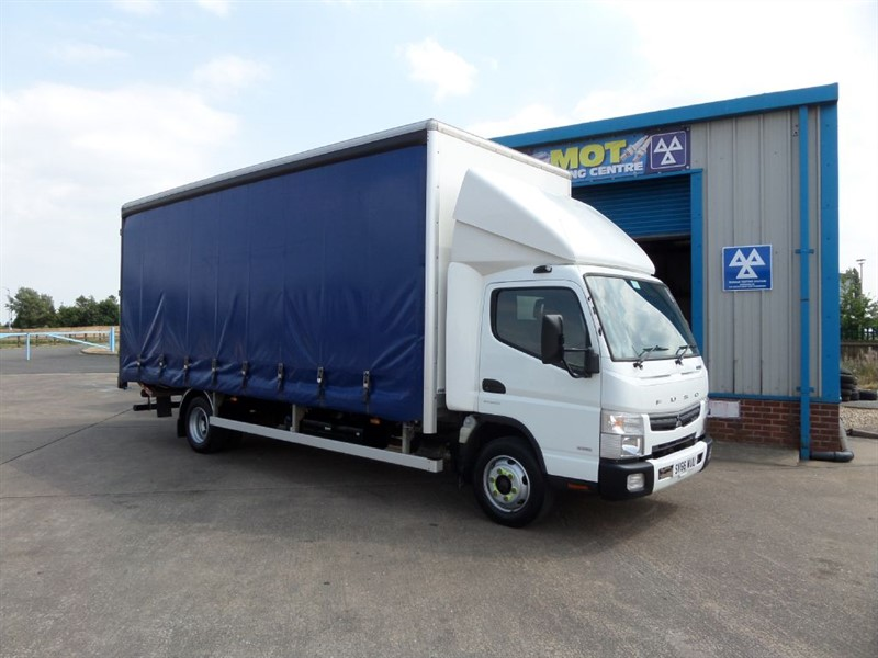 used Mitsubishi Canter 7C18 47 20ft Curtainsider with Tail Lift Automatic in lincolnshire
