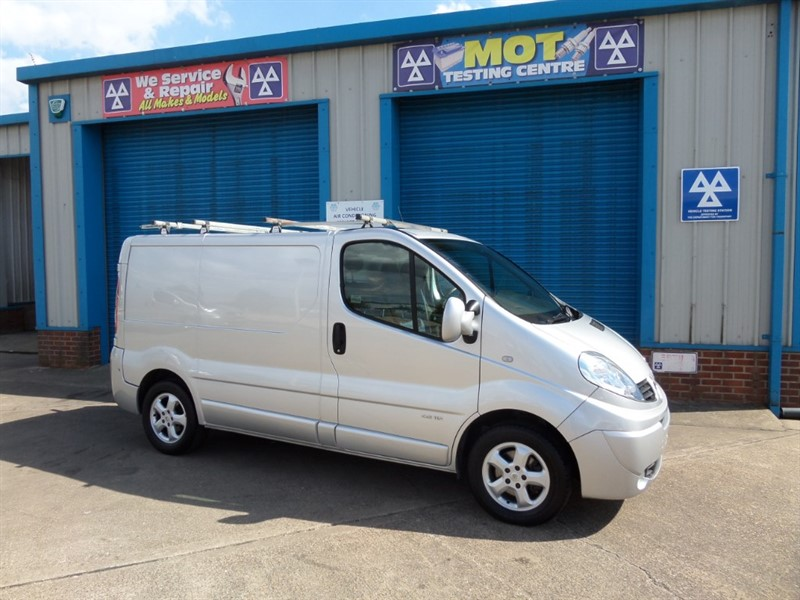 used Renault Trafic SL27 SPORT DCI S/R P/V in lincolnshire