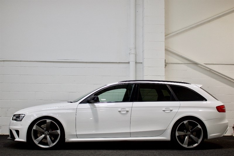 used Audi RS4 Avant TFSI S Tronic Quattro 5dr in berkshire