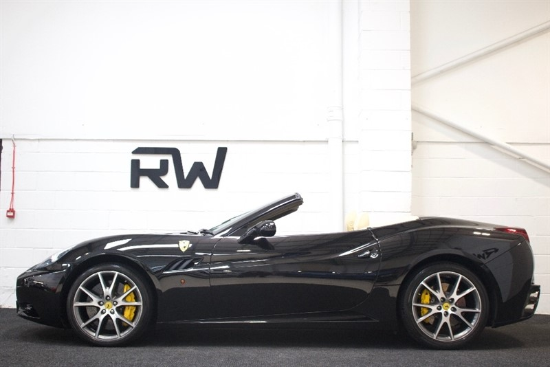 used Ferrari California 2dr in berkshire
