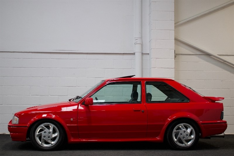 used Ford Escort Turbo RS 3dr in berkshire