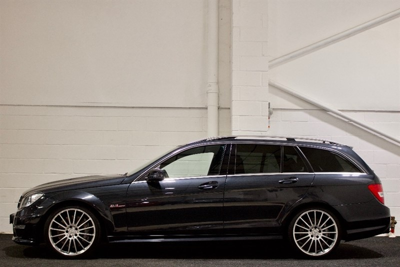 used Mercedes C63 AMG C Class 6.3 MCT 7S 5dr (COMAND) in berkshire