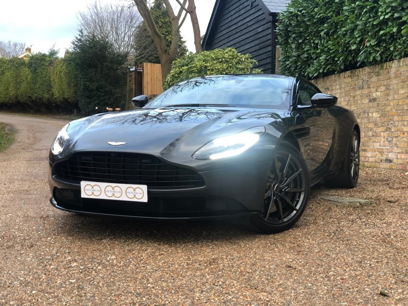 used Aston Martin DB11 V8 in stapleford-tawney-essex
