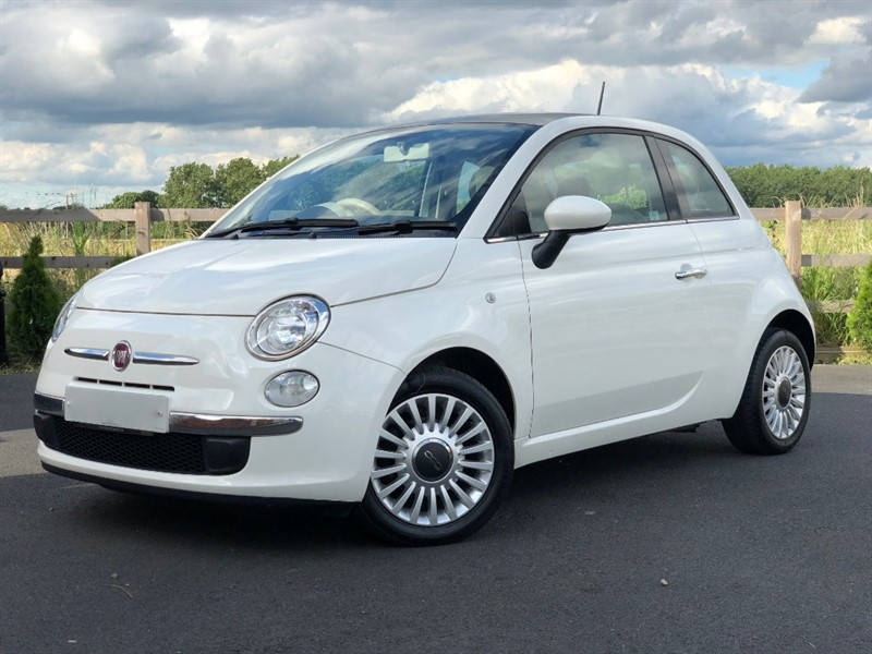 used Fiat 500 LOUNGE in stapleford-tawney-essex