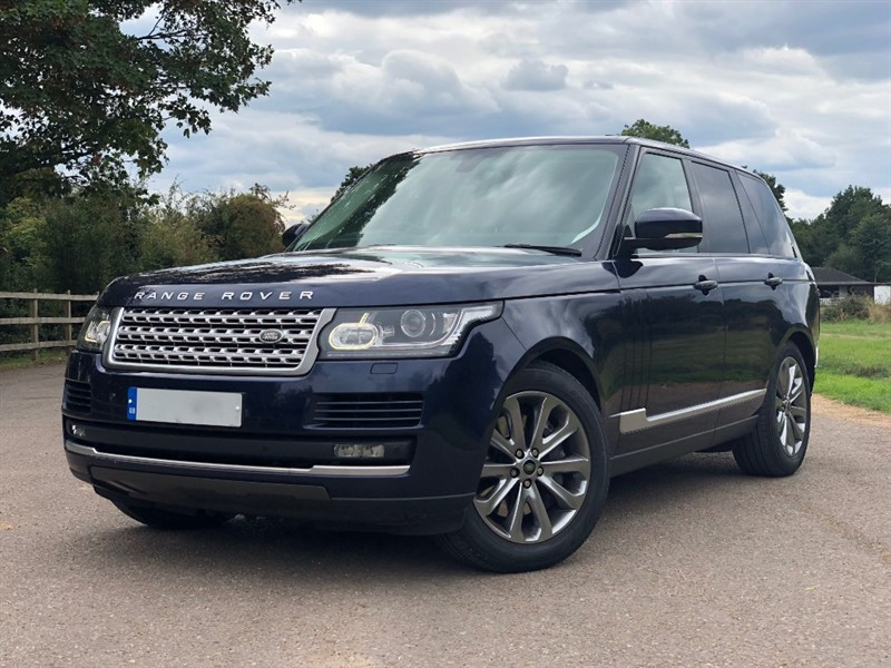 used Land Rover Range Rover SDV8 VOGUE in stapleford-tawney-essex