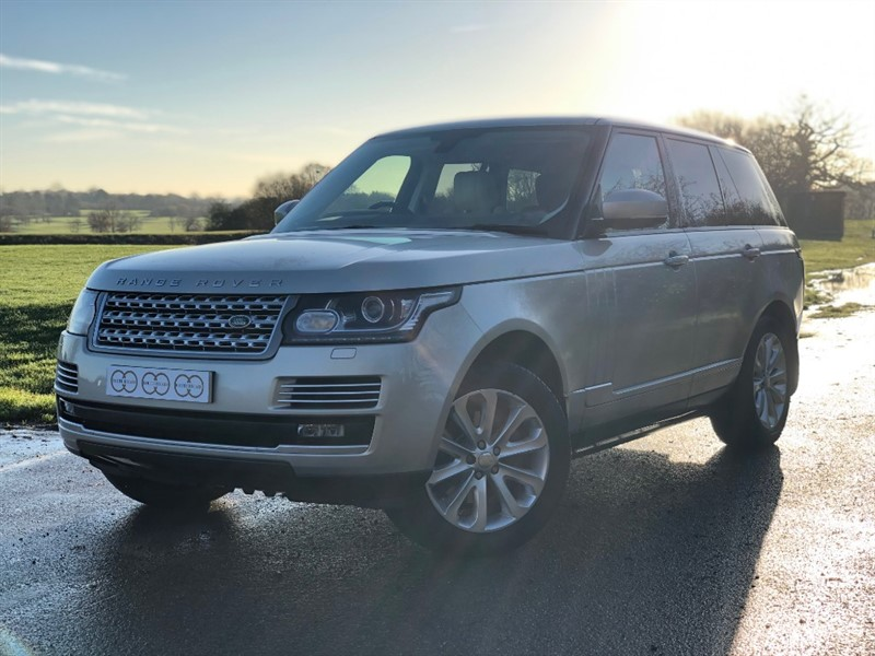 used Land Rover Range Rover TDV6 VOGUE SE in stapleford-tawney-essex