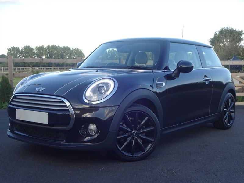 used MINI Hatch COOPER in stapleford-tawney-essex