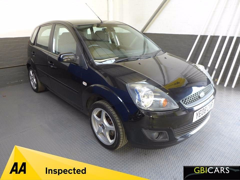 used Ford Fiesta ZETEC BLUE in leighton-bedfordshire