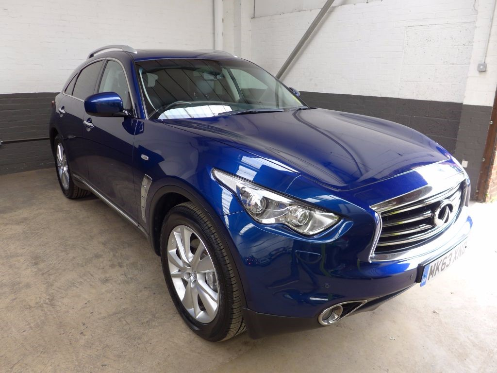 used Infiniti FX FX30D in leighton-bedfordshire