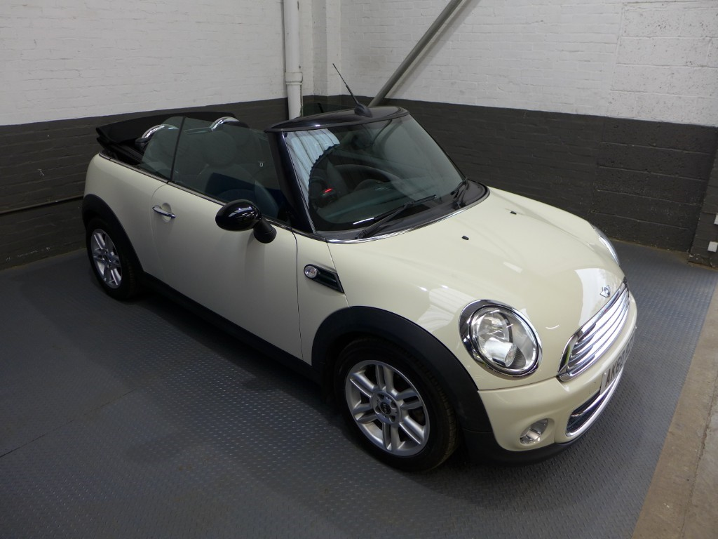 used MINI Convertible COOPER D in leighton-bedfordshire
