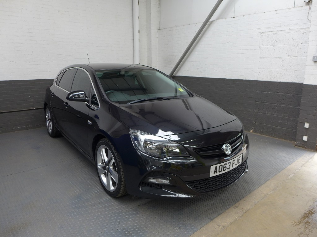 used Vauxhall Astra LIMITED EDITION in leighton-bedfordshire