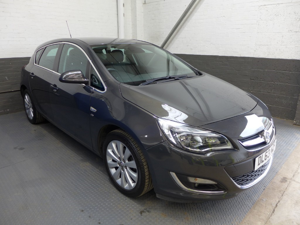 used Vauxhall Astra ELITE in leighton-bedfordshire