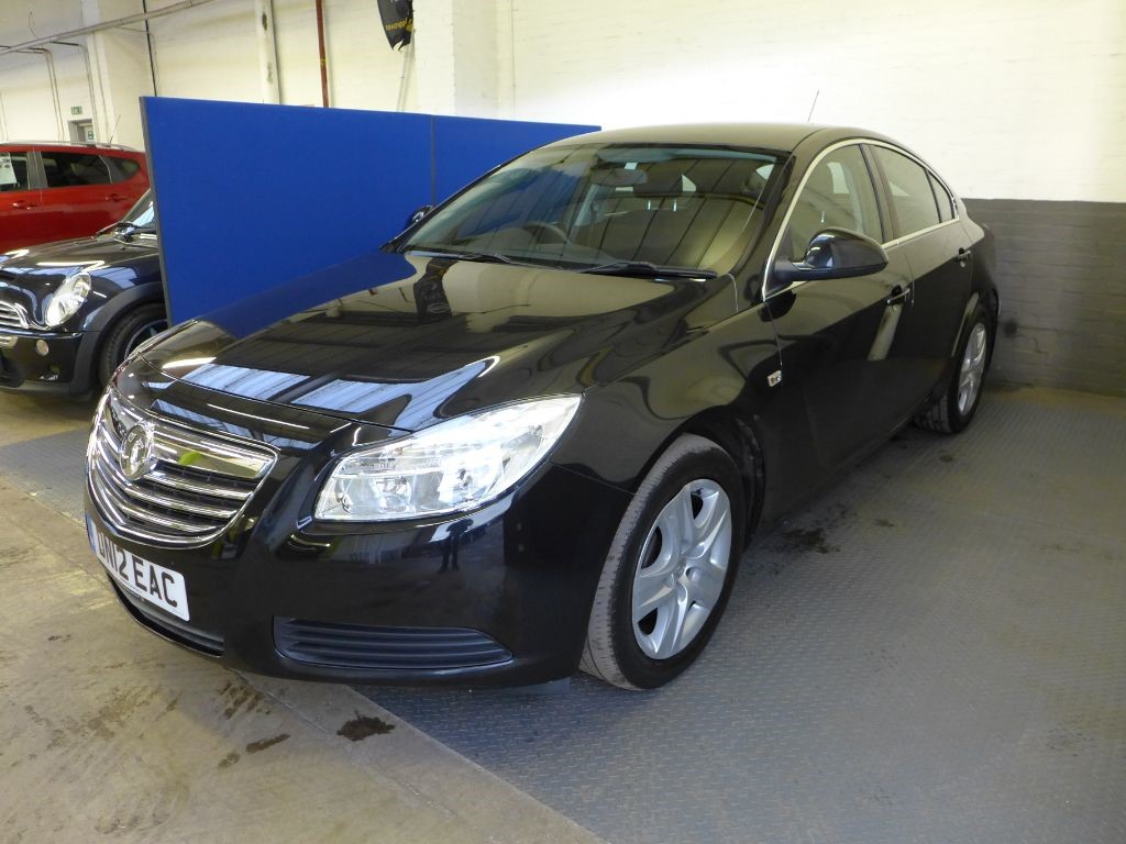 used Vauxhall Insignia EXCLUSIV CDTI in leighton-bedfordshire